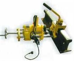 钢轨钻孔机